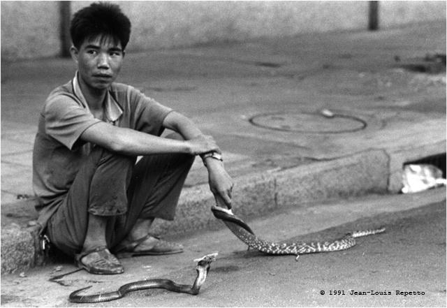 Canton - Marchand de serpents