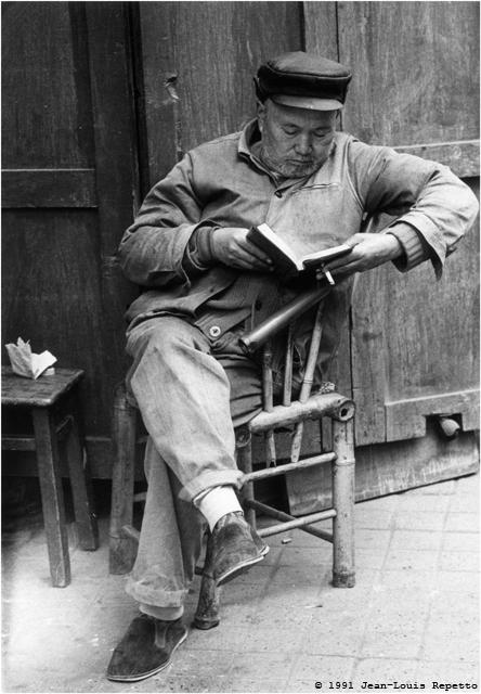 Chengdu - Lecteur fumeur