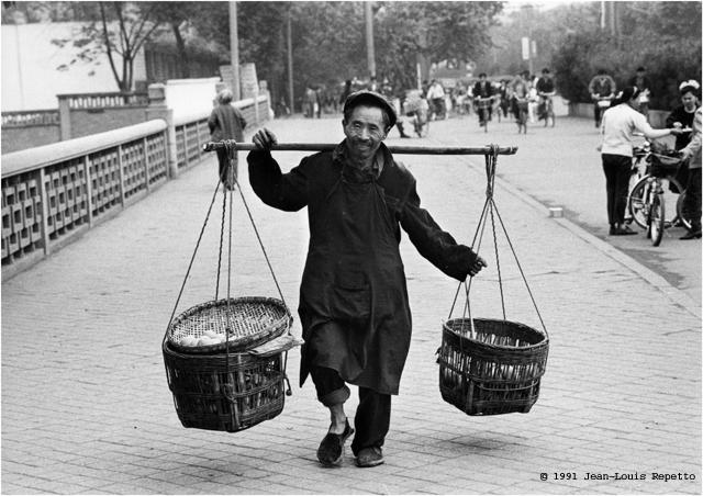 Sichuan - Marchand de légumes à Chengdu